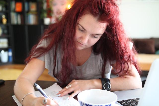 Clara Löfvenhamns omväxlande dagar i arbetet med Bossbloggen