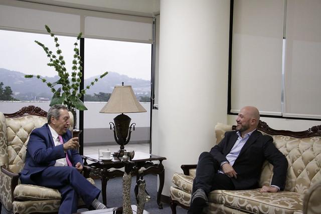 Secretario General del SICA, Vinicio Cerezo dialoga con Alberto Brunori, Alto Comisionado de las Naciones Unidas para los Derechos Humanos