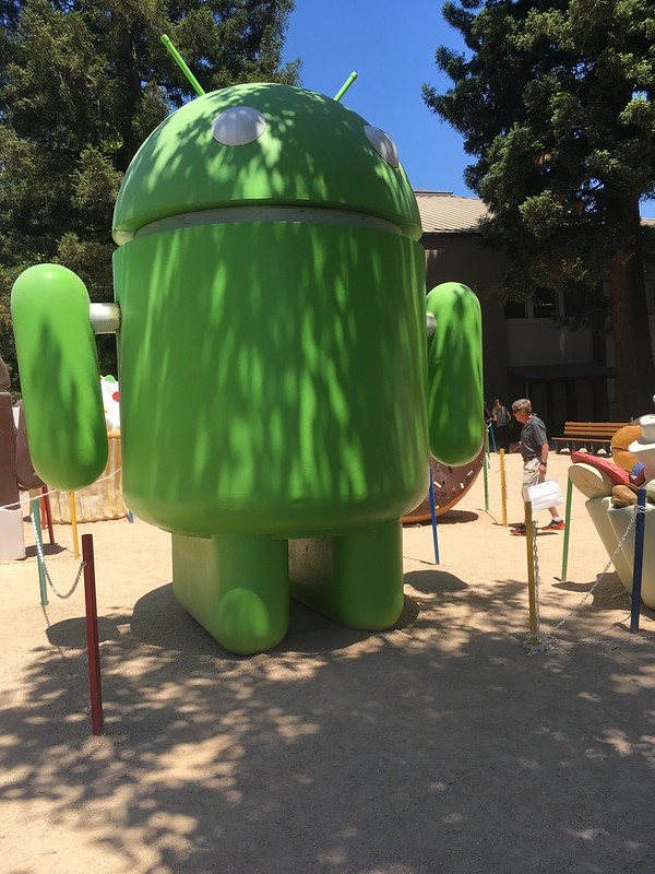 Android Lawn Statue Park