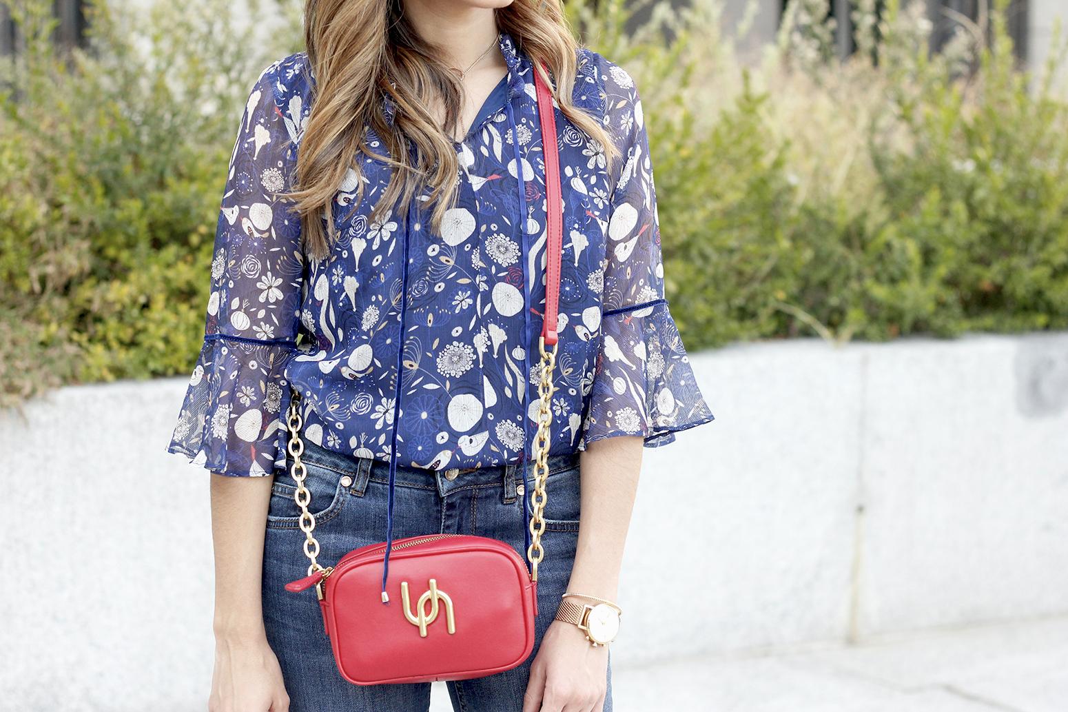 flared jeans liu jo blue blouse uterqüe boho outfit fashion style17
