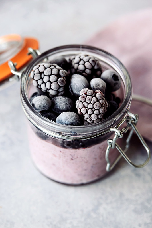 Overnight Grab and Go Yogurt Chia Pudding Parfait
