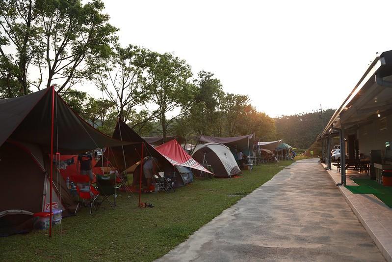 夕陽下的營區