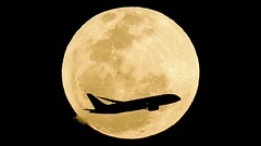 Jetstar Australia Boeing 787 and Airbus A320 Full Moon Transits Footage Using Canon EOS C200
