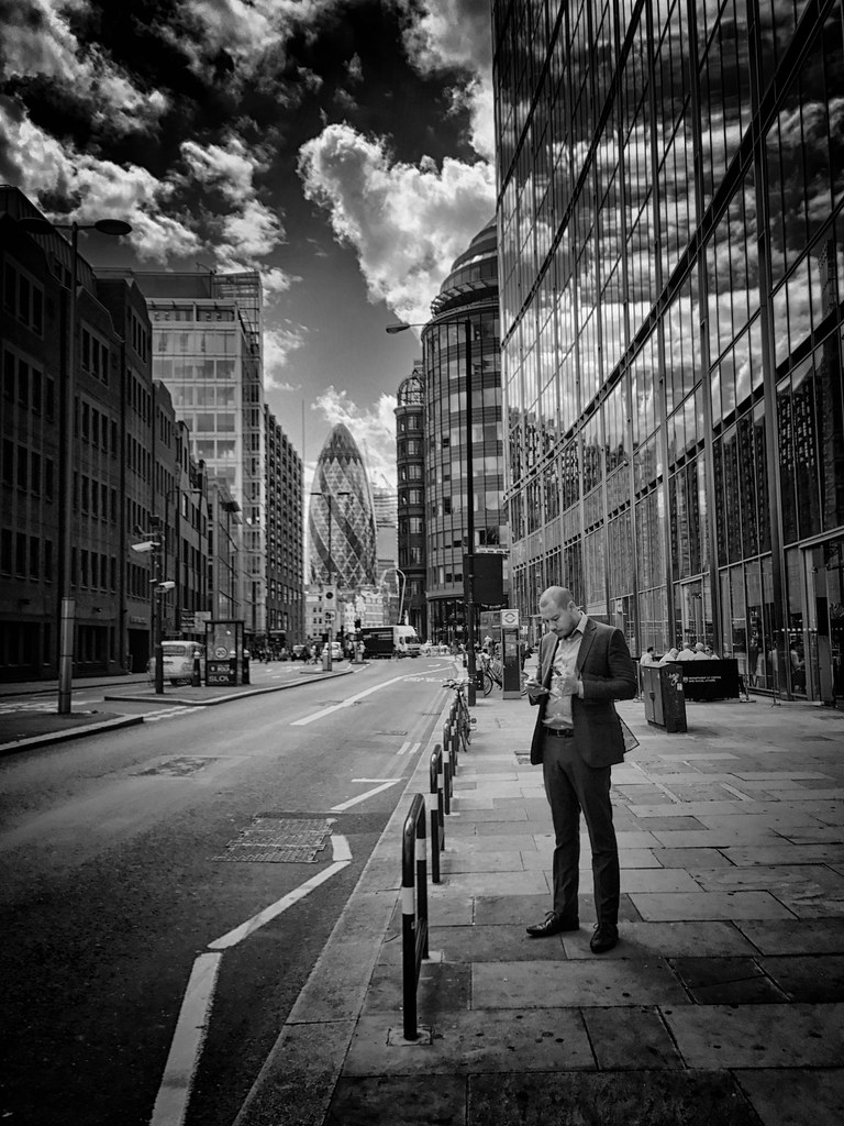 London Pause Techno - BNW