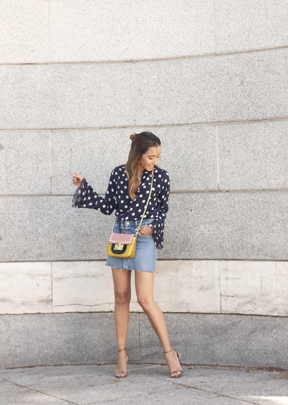 Polka dots shirt uterqüe bolso denim skirt girl outfit fashion04