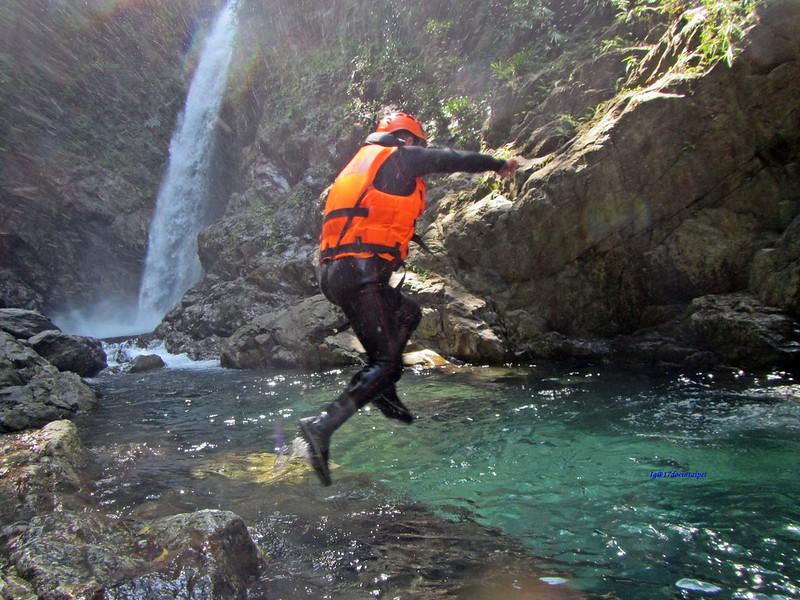 宜蘭溯溪-狂人出動-鹿皮溪-金岳瀑布-17度c隨拍 (34)