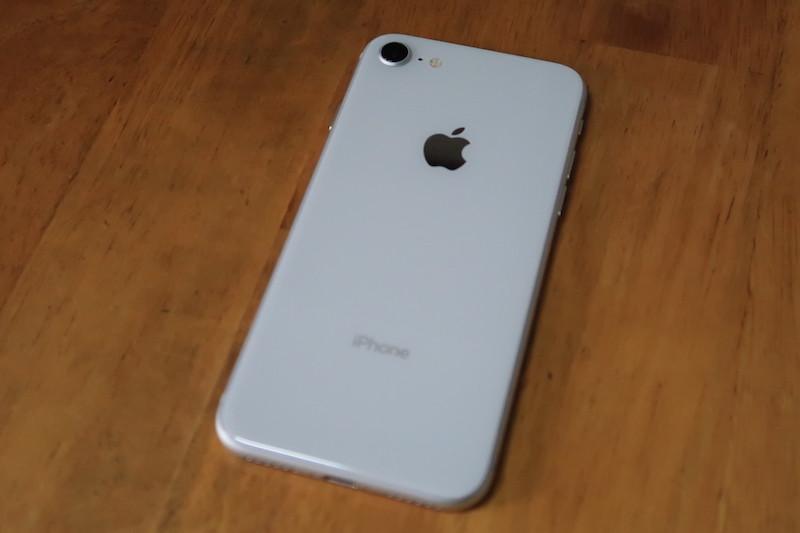 iPhone8のガラスの質感