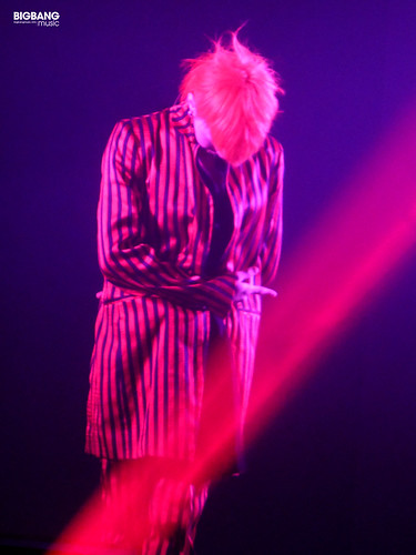 G-Dragon-MOTTE-in-Berlin-2017-09-30-18