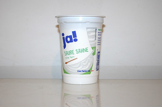 04 - Zutat Saure Sahne / Ingredient sour cream