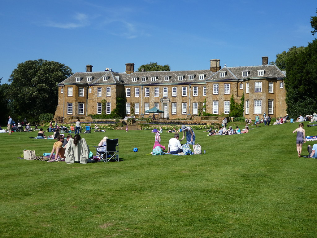 Jazz on the lawn of Upton House