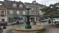 Fontaine Tournan en Brie - Photo of Les Chapelles-Bourbon