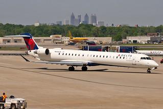 N606LR, Hartsfield–Jackson Atlanta International Airport, (ATL), 25/04/2013