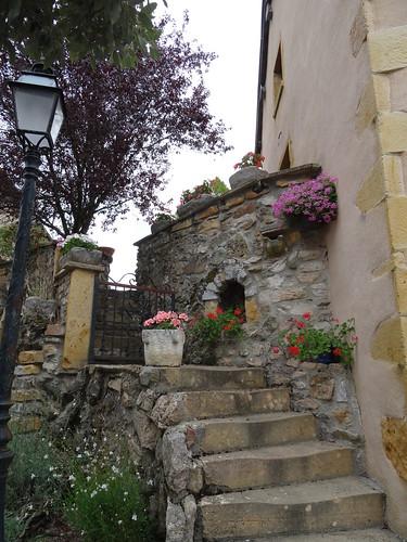 2017-08-13 - Ternand, vieux village, Escalier fleuri (2)