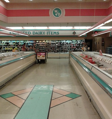 winndixie marketplace retail store supermarket grocery 90s 80s pastel fortpierce stluciecounty florida