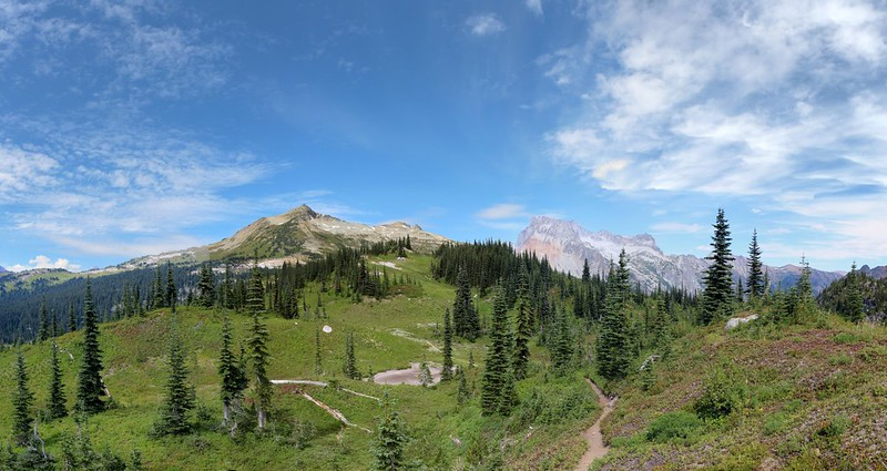 Cloudy Peak, North Star Mountain, and Bonanza Peak from the upper Lyman Lakes Trail