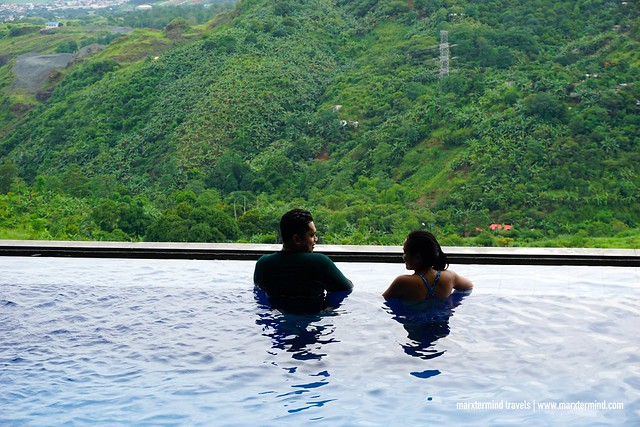 Infinity Pool at Luljetta's Hanging Gardens & Spa