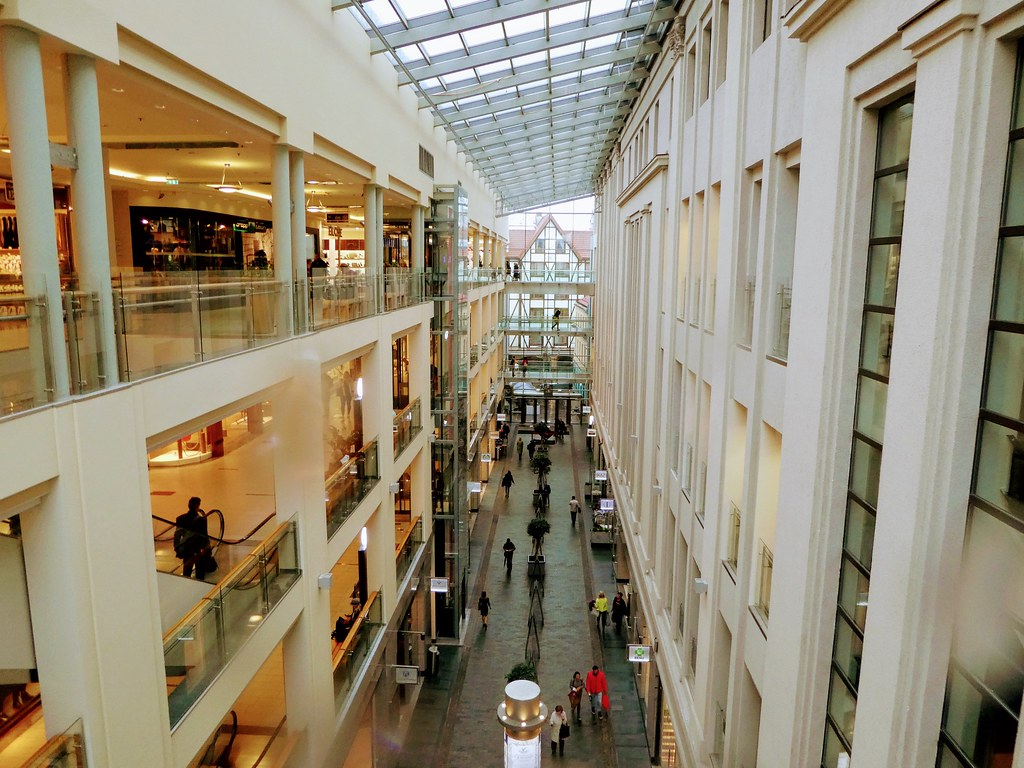 Galleria Shopping Mall, Riga