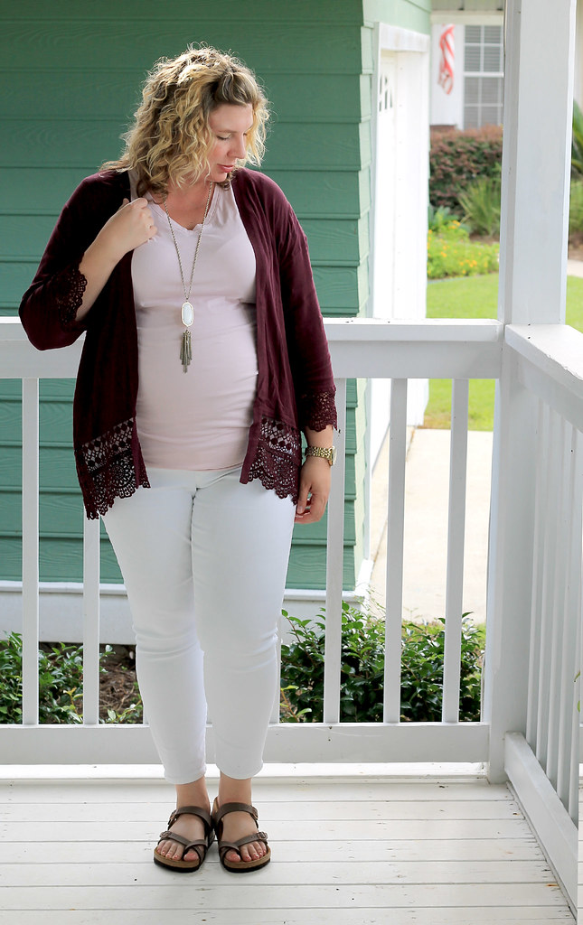 garnet kimono, maternity pink tee and white jeans 5