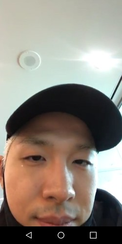 Taeyang INSTALive at the Airport Toronto 2017-08-31 (8)