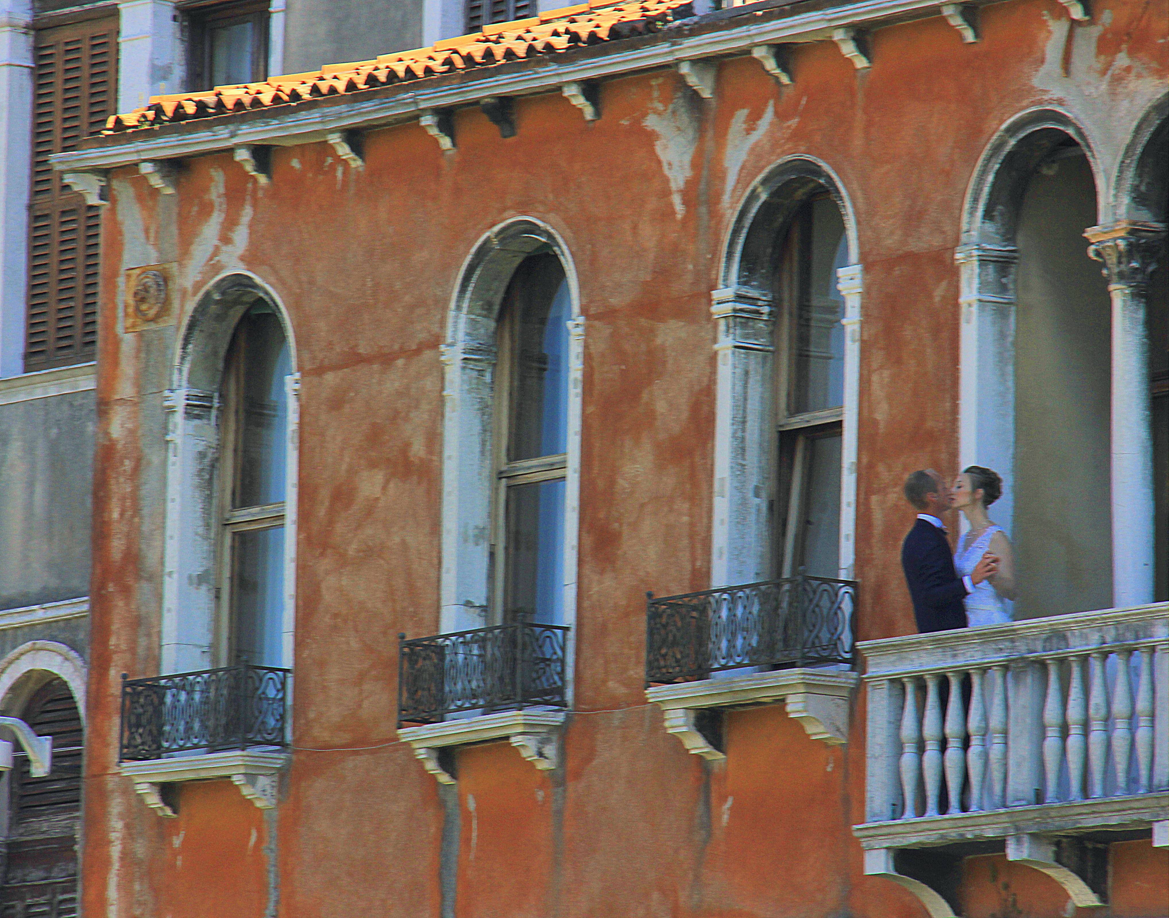 Destination wedding photo shoot in Venice