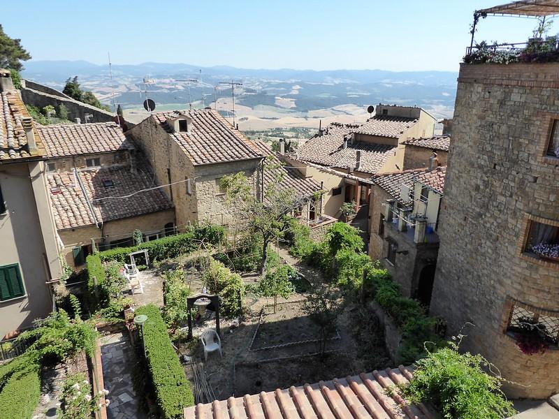 Über den Dächern von Volterra.
