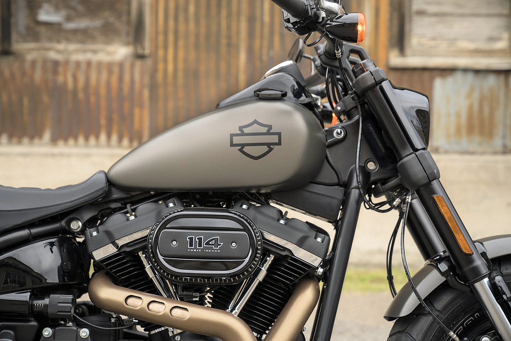 harley davidson 1870 softail fat bob fxfbs 2018 galerie moto motoplanete. Black Bedroom Furniture Sets. Home Design Ideas