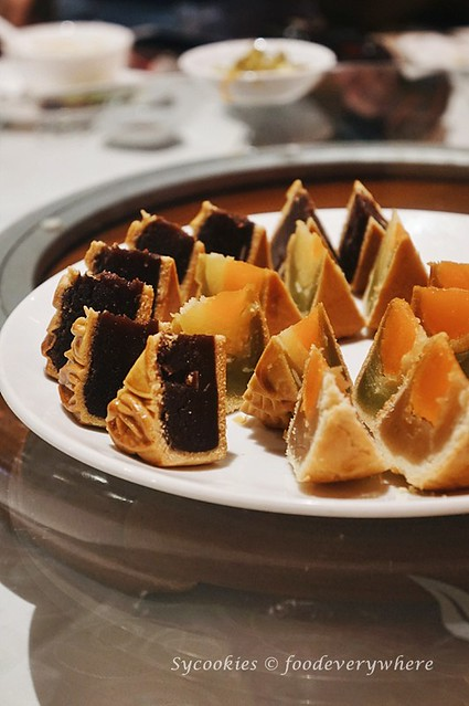 5.Celebrating Malaysia with mooncake and duck at the Renaissance KL