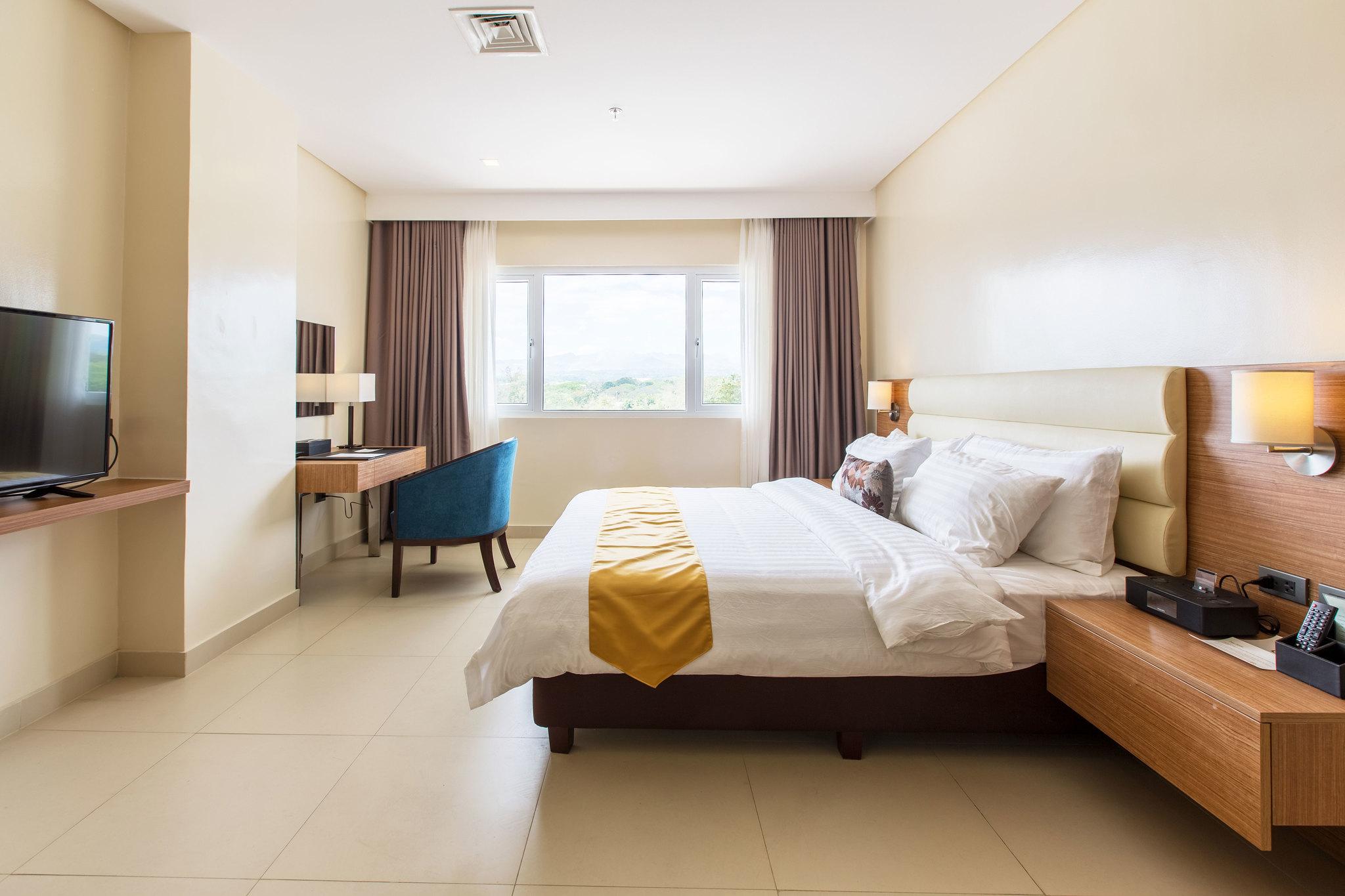 Royce Hotel, Clark Pampanga