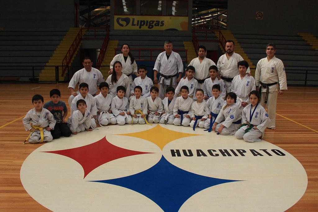 Karatecas acereros se lucieron en torneo interno