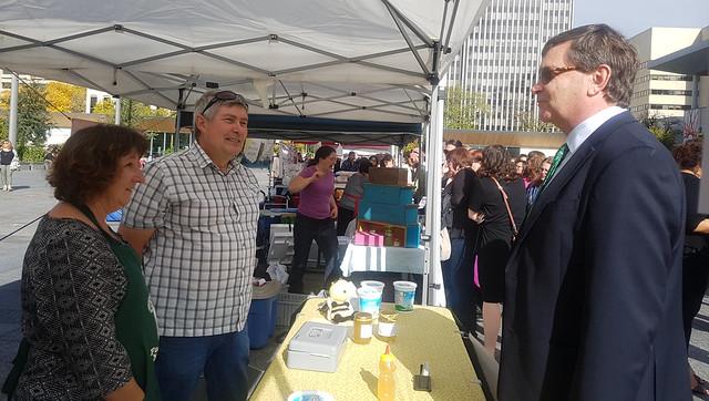 Fall farmers' market on the legislature grounds