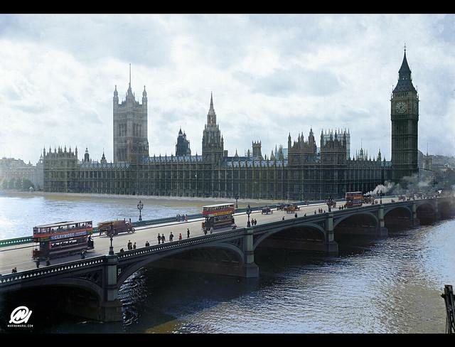 Westminster Bridge with trams, London, Rex Hazlewood, 1918-1919
