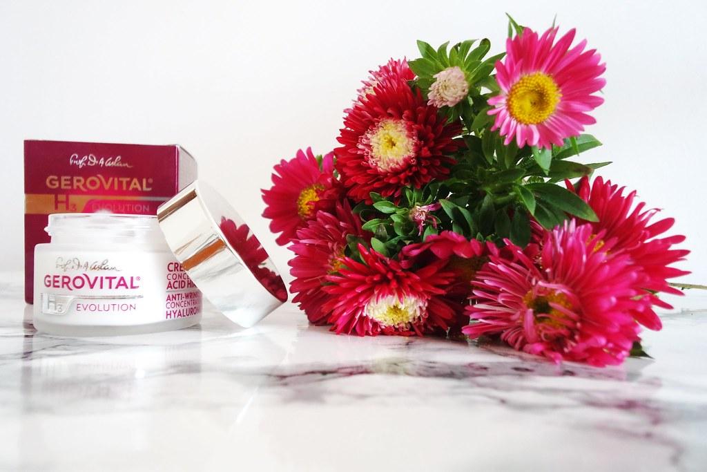 crema antirid gerovital cu acid hialuronic