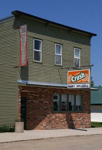 canada saskatchewan sk nokomis building prairie restaurant sign chinese cameraphone 2017 thisdecade canadagood colour color green blue orange red text