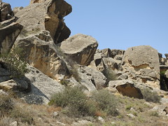 You would never guess there are etchings and petroglyphs in this rugged landscape
