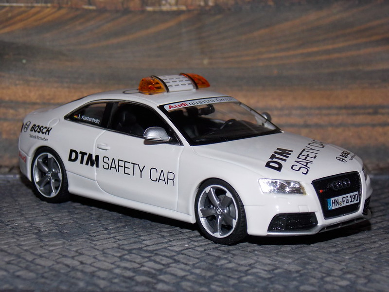 Audi RS5 - DTM Safety Car 2010 - Schuco