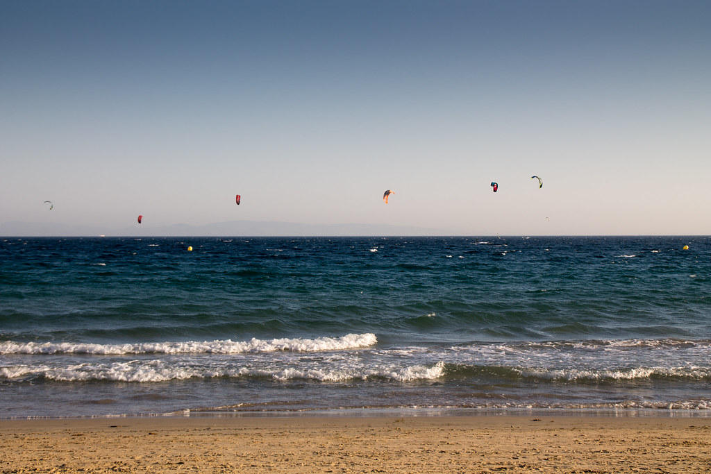 Playa valdevaqueros c dis espanha tripcarta for Camping jardin de las dunas tarifa