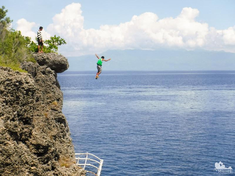Cliff Jumping in Pescador Island