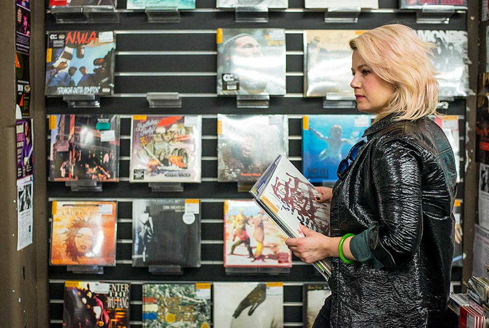 Mary-Epworth-Record-Shopping-12
