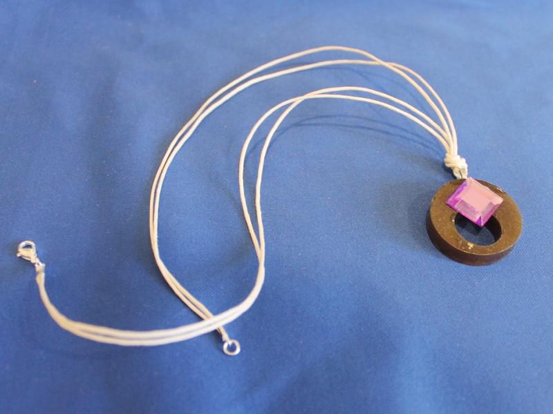 plastic pendant string 1