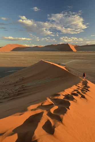 africa nikkor nikon d7000 landscape nature dune desert sand orange view sesriem sossusvlei national park 1224 namibia 45 namib naukluft blue
