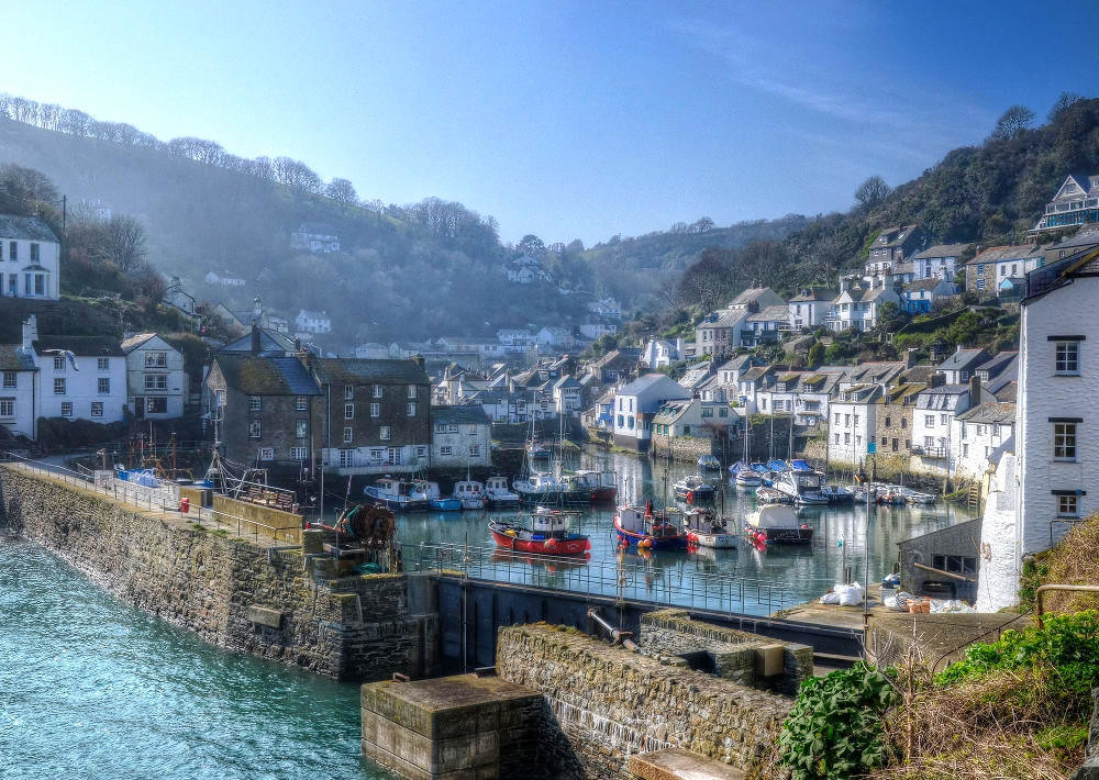 Misty day at Polperro, Cornwall. Credit Baz Richardson, flickr