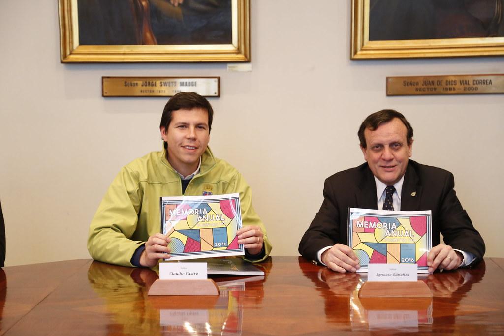 Firma convenio Renca - Puentes UC