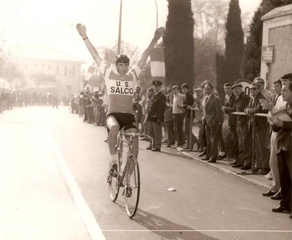Oliviero Cendron, vittoria nella Como-Ghisallo 1970 dilettante 3° categoria in maglia U.S. Salco) - foto gentilmente inviata dallo stesso Oliviero