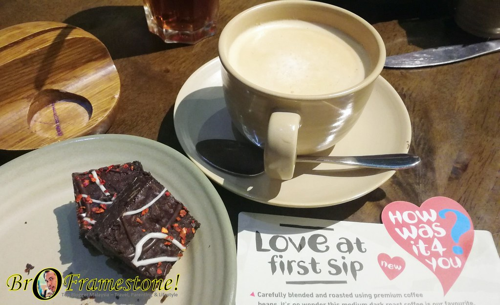 Hot Americano / Cappuccino PERi PERi Brownies Nando's Malaysia