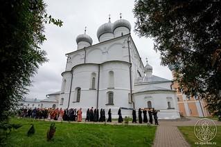 Литургия в Хутынском монастыре 450