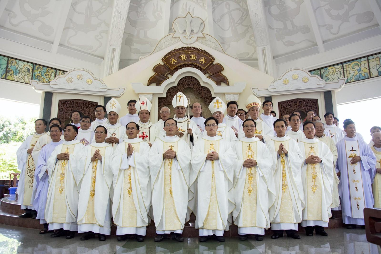 Đan Viện Thánh Mẫu Phước Sơn : Thánh Lễ Truyền Chức Linh Mục - Ảnh minh hoạ 22
