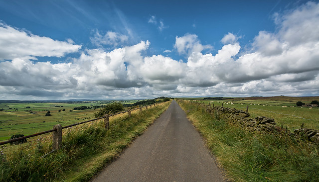 Country Lane..., Nikon D5200, AF-S DX Nikkor 10-24mm f/3.5-4.5G ED
