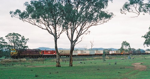 110-3A 1991-12-29 8024 and 48104 on 6AB6 at Denman