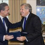 Firma de renovación del acuerdo entre Funglode-GFDD y La OEA.