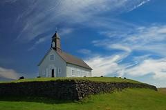 Церковь 1888 г. на берегу океана. Рейкьянес, Исландия